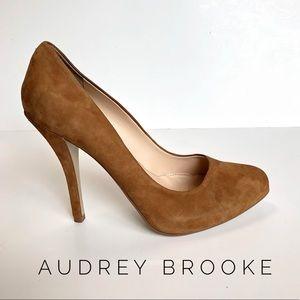 {Audrey Brooke} camel suede leather heels 10